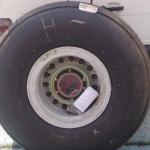 Roda para avião Nose Landing Gear Whell Assembly  |  Pneus e câmara